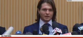 Omicidio Meredith, la conferenza di Raffaele Sollecito: ero un sequestrato, ora sono libero
