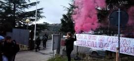 """Perugia, gli studenti del Fronte della gioventù comunista denunciano aule gelide e infiltrazioni all'Itts """"Volta"""""""